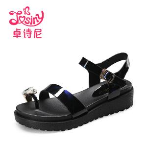 卓诗尼2017夏季新款中跟夹趾凉鞋休闲平底扣带水钻女鞋114711502